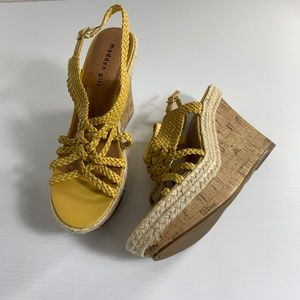 Madden Girl 9.5 Platform Wedge Sandals Kahara